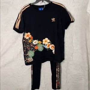 Adidas 2 piece floral tshirt leggings 3 stripes